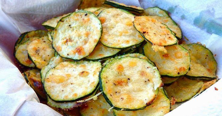 Les receptes que m'agraden: Xips de carbassó i parmesà - Chips de calabacín y parmesano