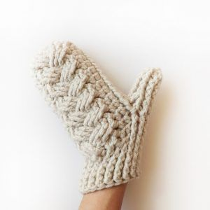 holden-cable-crochet-mittens-by-lakeside-loops