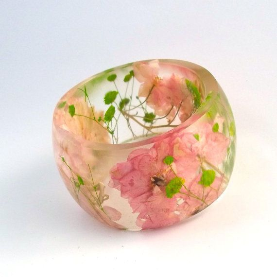 Size XL Baby's Breath and Larkspur Resin Bangle. Pink and Green Pressed Flower Bracelet. Plus Size Bracelet with Real Flowers.