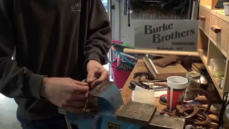 Make Your Own $7 Ultimate Bushcraft Axe