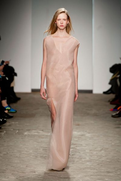 Haute Couture SS 2014 – Vionnet See all fashion show on: http://www.bookmoda.com/sfilate/haute-couture-ss-2014-vionnet/ #hautecouture #spring #summer #catwalk #womansfashion #woman #fashion #style #look #collection #SS2014 #vionnet #fashionshow