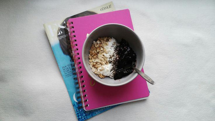 Healthy and yummy breakfast! #healthy #breakfast #idea #yummy #oats #chia #fruit #yoghurt