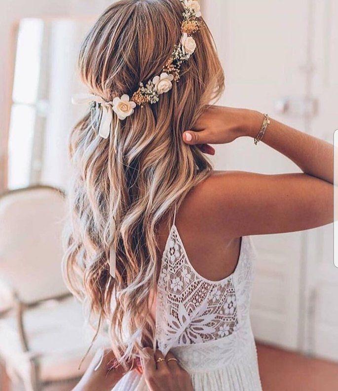 Langes Abendkleid Frisur