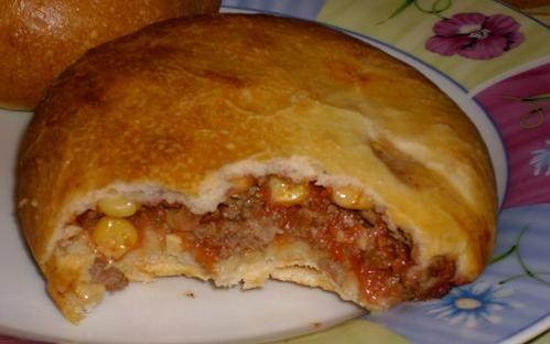 Vous connaissez les buns fourrés de chez Mac cain? J'avoue il m'est arrivé d'en acheter pour y goûter. Je trouve l'idée de ces petits pains fourrés à manger sans couverts intéressante et sympa pour un repas rapide, ou un plateau télé. Alors j'ai crée...