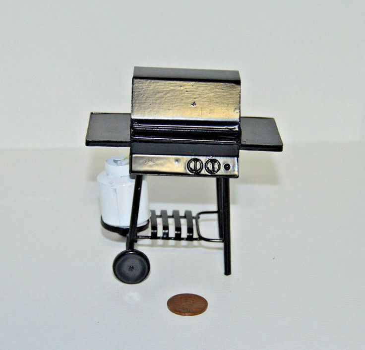 Miniature Barbecue Grill with Propane Tank in 1:12 scale #TownSquareMiniatures