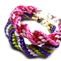 Step by step tutorial on how to make these sweet spiral kumihimo satin bracelets. They make great gifts for big and small girls!