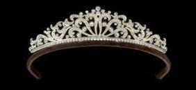 Pequena tiara fã de rolagem por Andrew Príncipe
