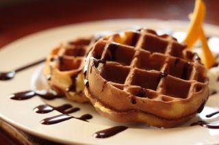 Gaufres aux bananes et chocolat #recettesduqc #dejeuner #brunch