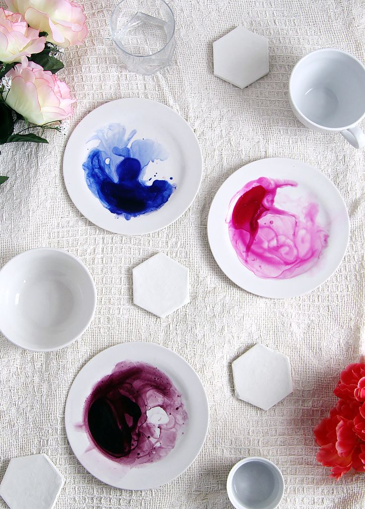 Learn how to make this beautiful watercolour tableware for your home! Take plain white dishes to the next level and add an artistic flair to your kitchenware.