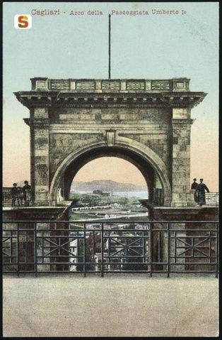 Cagliari, arco della passeggiata Umberto I