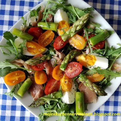 Moje                                                                       Kuchenne Rewelacje  : Sałatka ze szparagami, jajkiem i szynką parmeńską
