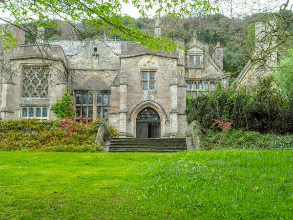 scottish medieval great hall | The house from the gardens ...