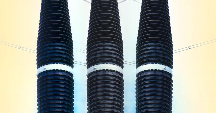 Cómo conectar un transformador de neón. Un transformador transfiere la potencia entre dos circuitos. Se compone de un devanado primario y secundario. El extremo primario del transformador recibe energía de la fuente de alimentación y empareja esta energía al devanado secundario como sea necesaria para alimentar la carga. En este caso, la carga es una señal de neón con tubos de neón y ...