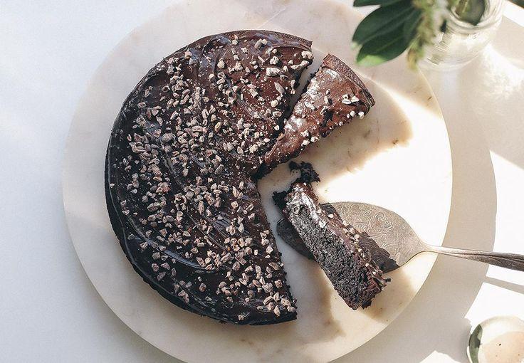 Eleanor Ozich's Deceptively Simple Cardamom Chocolate Cake Recipe - Viva