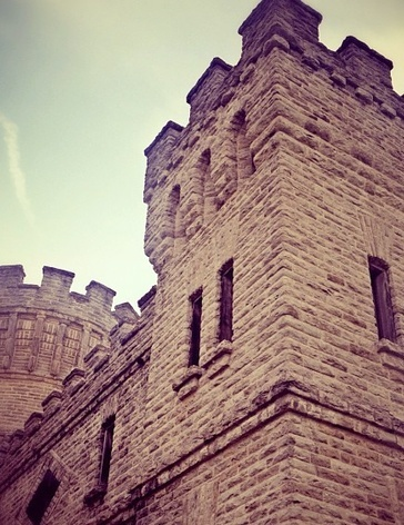 This is where Countess Elizabeth Bathory bathed in the blood of virgins...and to the left is a Burger King. #Cincinnati #Castle