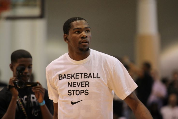 Golden State Warriors Hot Favorites To Sign Kevin Durant In Free Agency - http://www.morningnewsusa.com/golden-state-warriors-hot-favorites-sign-kevin-durant-free-agency-2355509.html