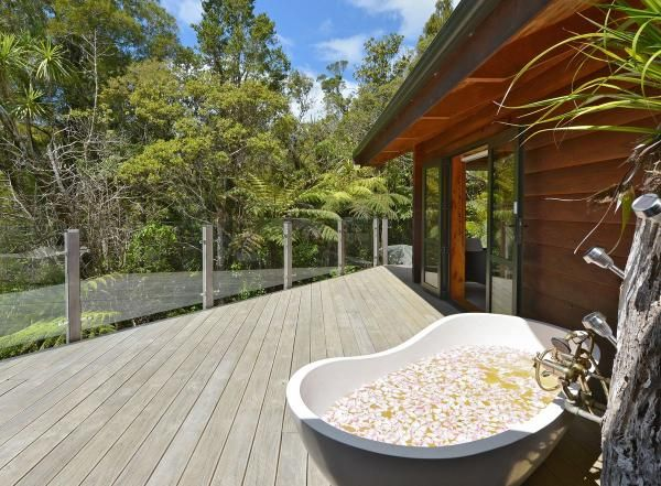 Kaitaia Holiday Home Rental - 2 Bedroom, 2.0 Bath, Sleeps 4