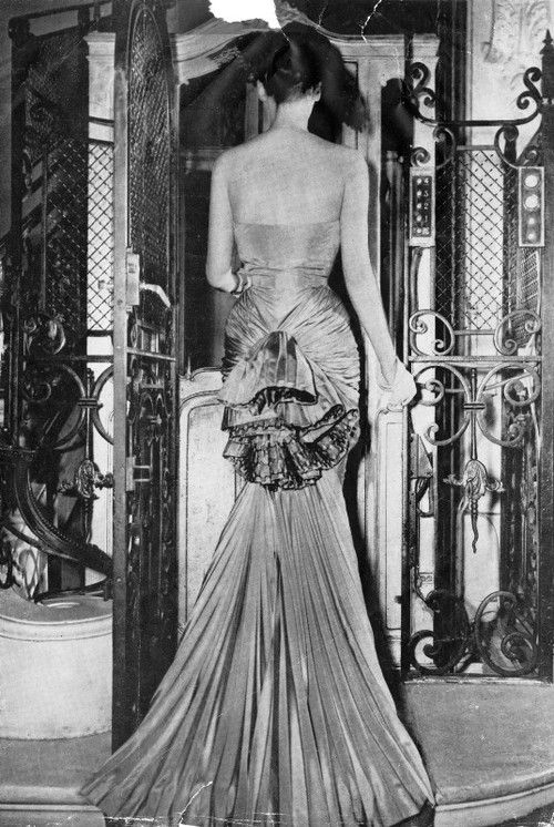 Schiaparelli dress - Harper's Bazaar,Sept 1946.