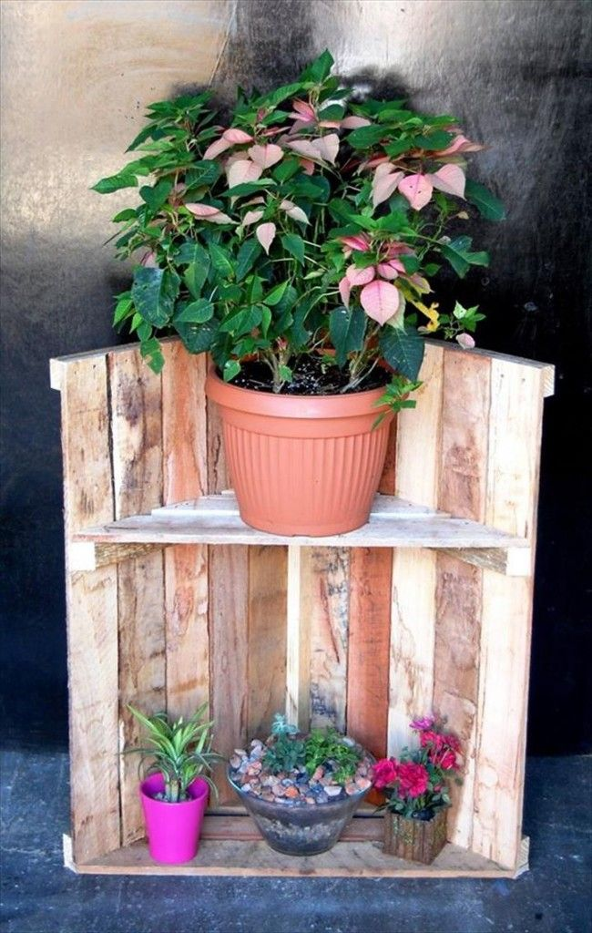 Recycled Pallet Garden / Pot Rack