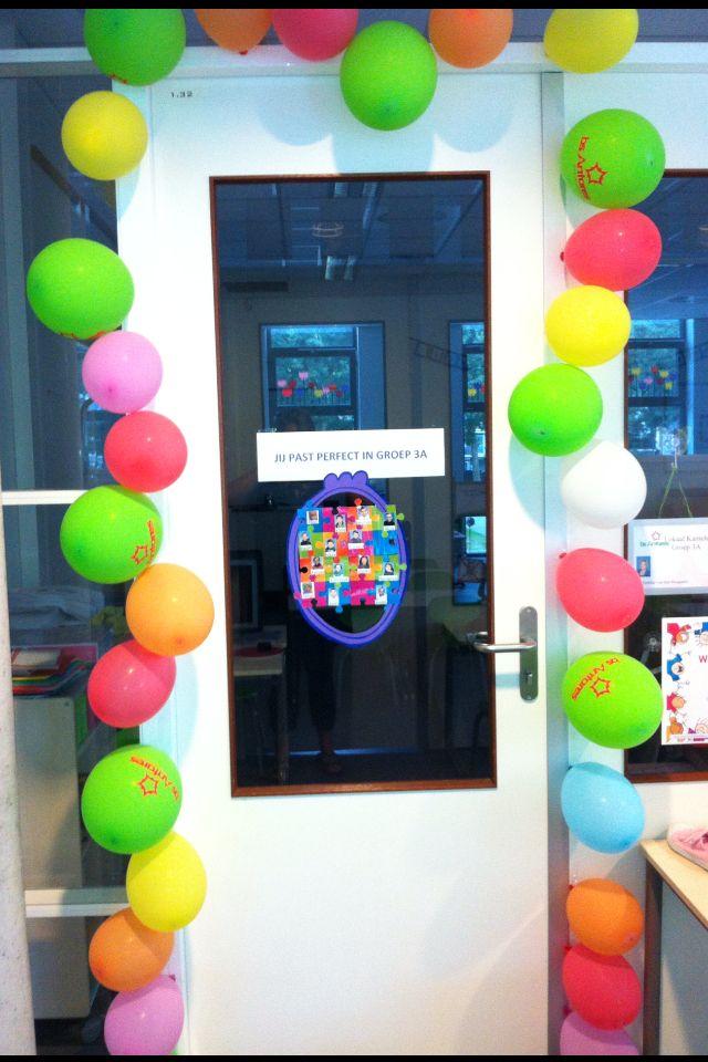 Dat is nog eens gezellig binnenkomen met al die ballonnen op de eerste schooldag van het nieuwe jaar!#groep 3