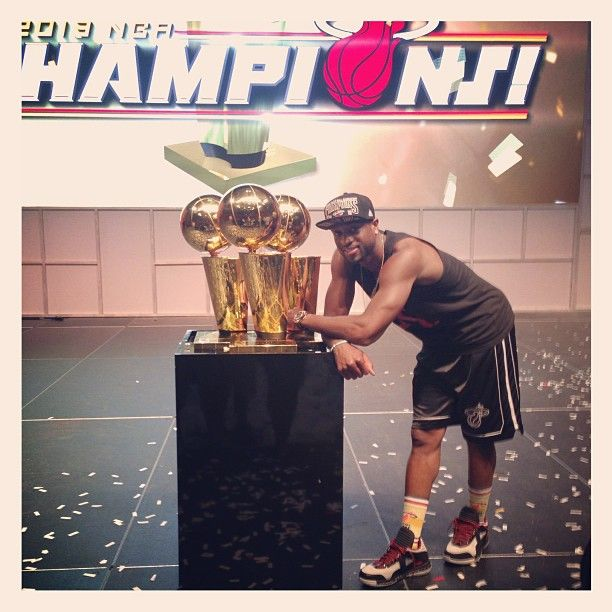 D. Wade with his trophies. (Photo by nba)