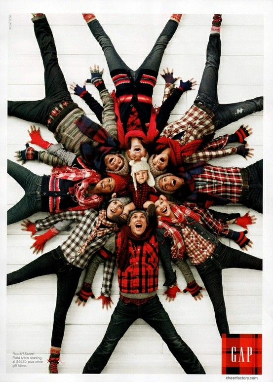 Awesome Idea of family Holiday card or four couples hosting a Christmas party could this as an invitation. Family snowflake photo. And look! They all get to have Jazz hands!