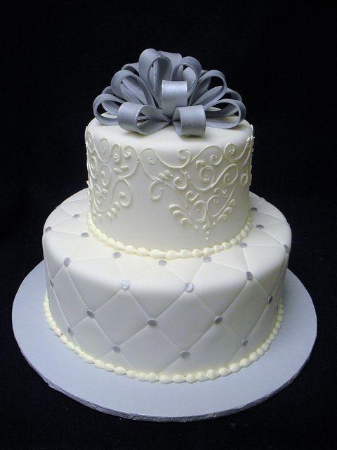 Anniversary Cake by Angel Contreras, via Flickr