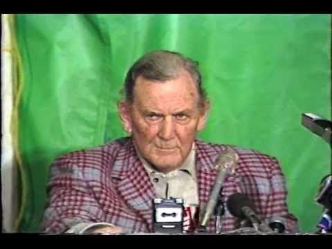 "Liberty Bowl 1982 (Illinois vs Alabama) and Coach Paul ""Bear"" Bryant's L..."
