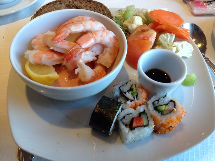 Great Brunch with sushi and fish