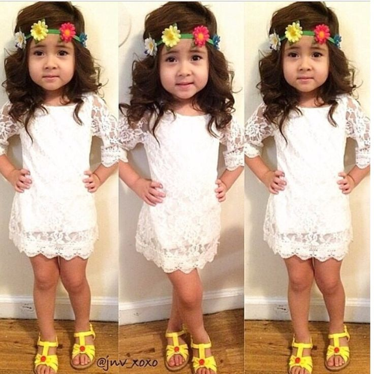 White lace dress, baby dress, girls dress, fashion baby.