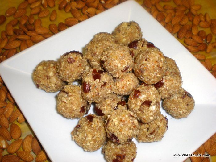 Oat n Dates Laddu!! Delicious and Healthy sweets!! Easy to follow recipe with step by step photos.