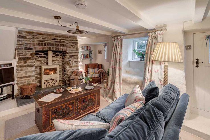 Αυτό το σπίτι ηλικίας 300 ετών εξωτερικά δεν μοιάζει ιδιαίτερο. Αλλά δείτε το μέσα!