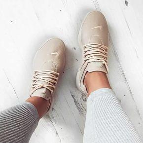 4f0ccff76407e3 Nike Air Presto beige braun    Foto  Katyluise (Instagram) Nike Schuhe Damen