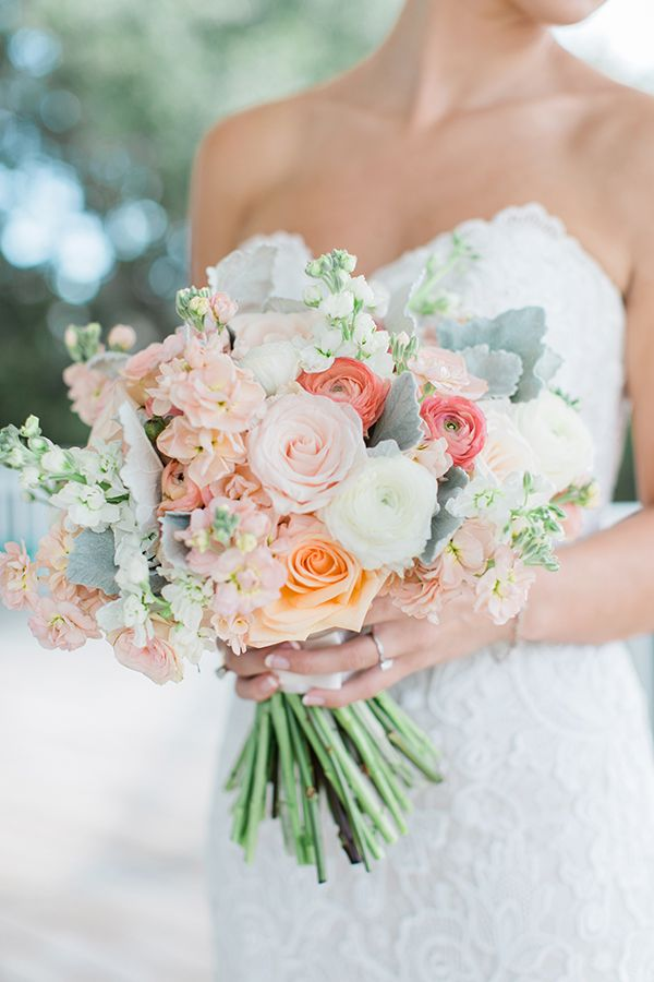 Southern Weddings Rachel Red Photography gorgeous wedding bouquet Kickstand Events