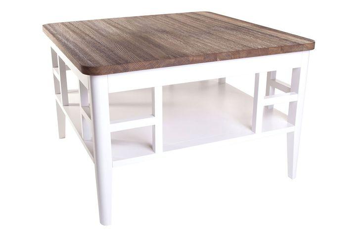Ett välarbetat soffbord med en rustik känsla.