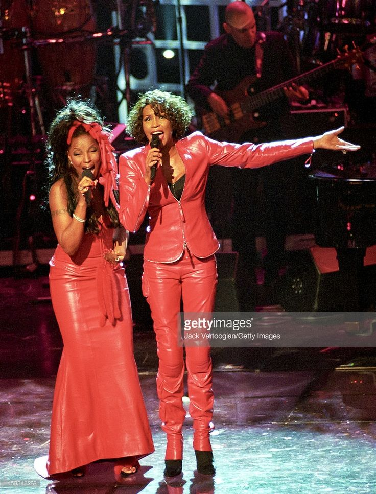 American actress and singer Whitney Houston (1963 - 2012) (right) performs with Mary J. Blige during 'Divas Live--An Honors Concert for VH1 Save the Music' at the Beacon Theater, New York, New York, April 13, 1999.