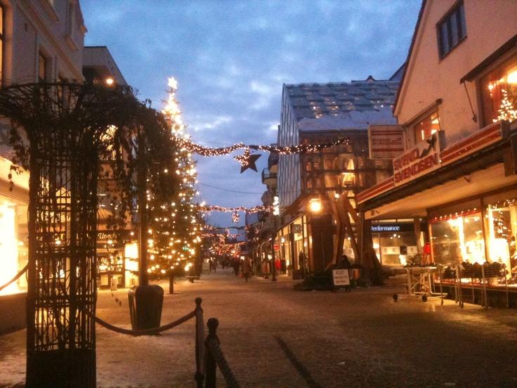 beautiful christmaslights in #sandnes #snow #winter #regionstavanger #visitnorway #norway