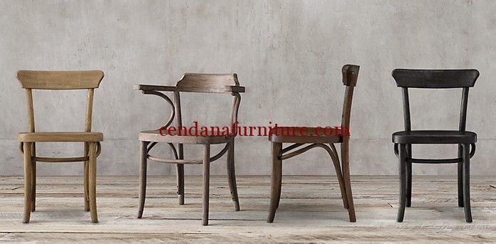 Kursi Cafe Unik Jati Solid memiki tampilan klasik modern yang kami sempurnakan dengan finishing yang bisa disesuaikan sesuai selera dan kebutuhan anda.
