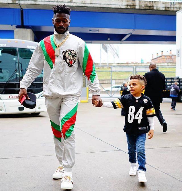 Antonio Brown Son >> Antoniobrown Wore Gucci Contrast Striped Track Suit And