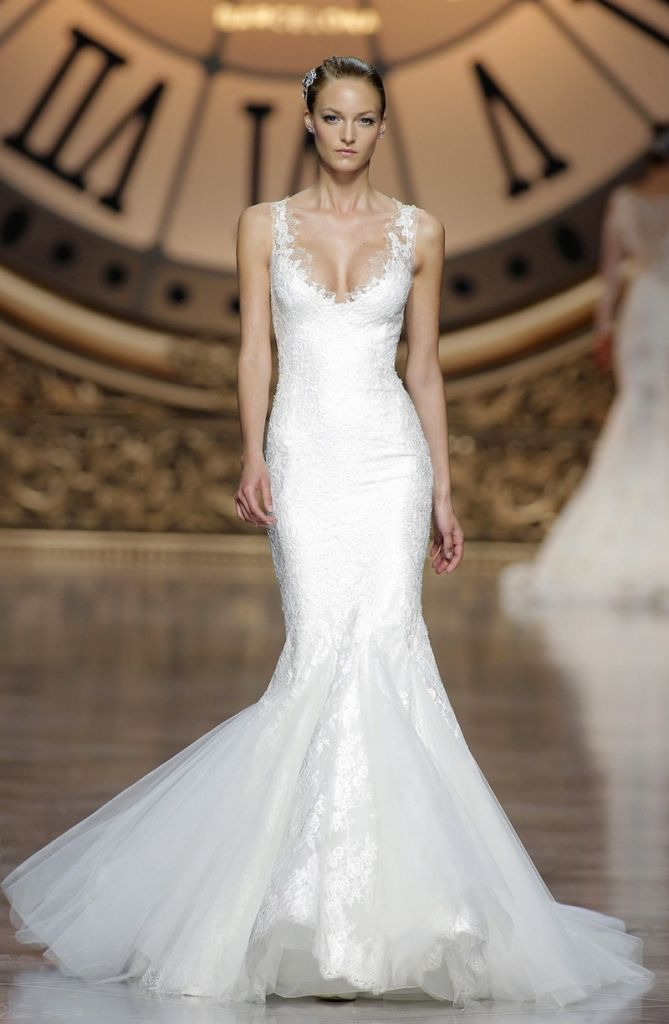 Top 25  best Vegas wedding dresses ideas on Pinterest | Short lace ...