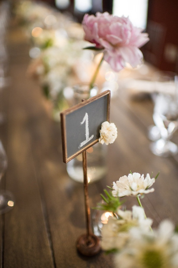 simple chalkboard table numbers  Photography by eliturner.com, Planning by asimplychicevent.com, Floral Design by petalsedge.com