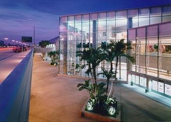 SNA ~John Wayne Airport~ Santa Ana/ Orange County, CA  (Service BEGINS 06/03/2012)