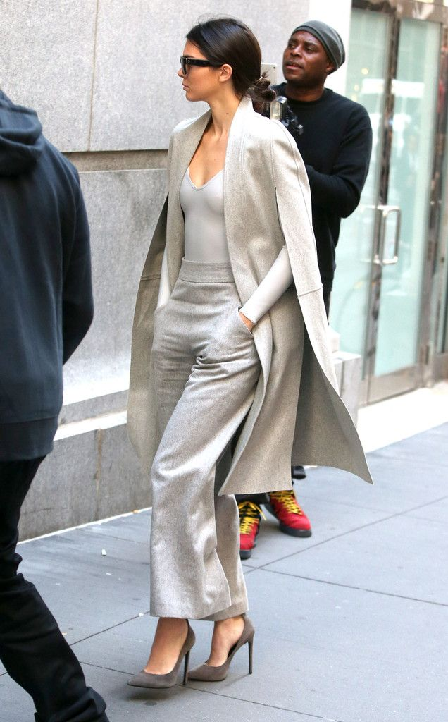 Kendall Jenner Photos - Kendall Jenner Goes out on Her Own - Zimbio