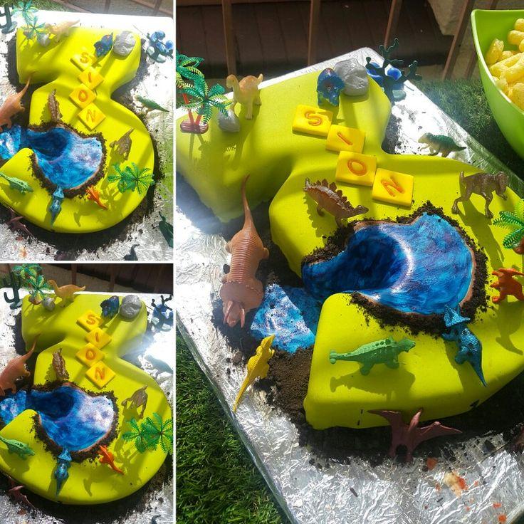 Dinosaurs Number 3 Cake