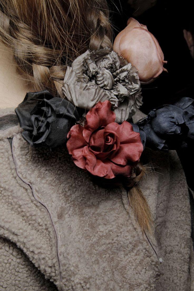 Kenzo 2011  Hair flowers