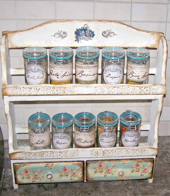 DIY Vintage Spice Rack - Reader Featured Project    OK, I am really inspired!  posted on Graphics Fairy
