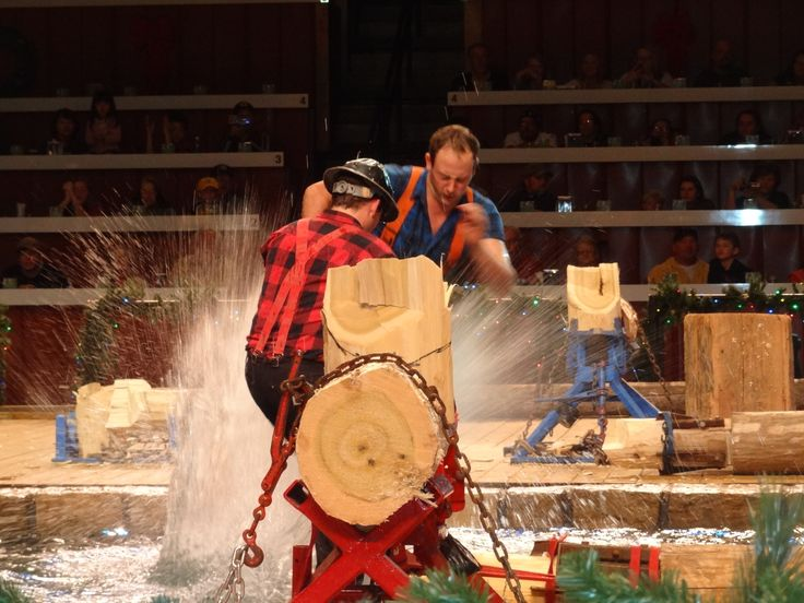 Awesome Lumberjack show in Pigeon Forge