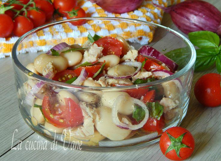 insalata fredda di fagioli e tonno ricetta per insalata fredda estiva facile e veloce da fare.Insalata ottima da gustare a cena o a pranzo,leggera e gustosa