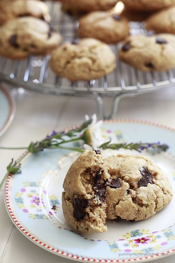 The best easy chocolate chip cookies. And they happen to be healthy too. #paleo #glutenfree