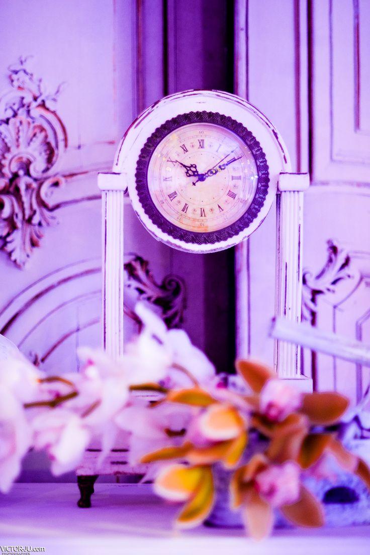 White table clock